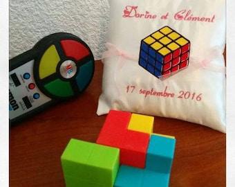 Ring pillow custom cushion with a rubik's cube - 80's