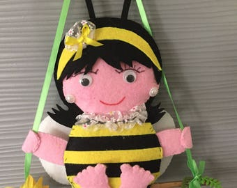 Bee felt, wall decor, door decoration, suspention bee swing handmade mobile
