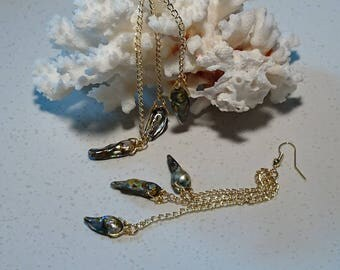 "Earrings ""Mahana"" gold plated findings and bluish grey keshi pearls."