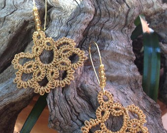 Earrings lace frills wire metal gold and sleeper large glass beads
