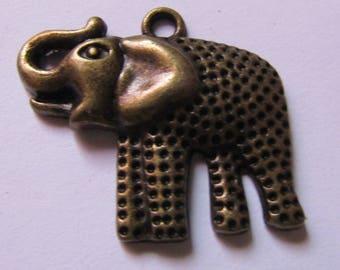 Bronze elephant 27mmx30mm pendant