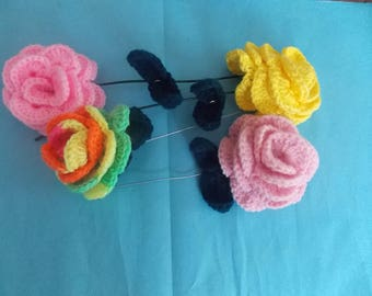 set of 4 roses with stem and leaf