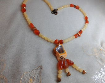 Very nice agate from Namibia and calcite necklace