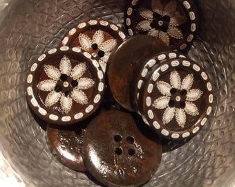 5 buttons round dark wood flower dotted pattern