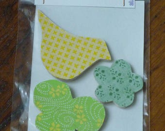 3 magnets/magnets in green and yellow Japanese paper and wood