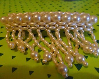 hair clip white beads in different sizes