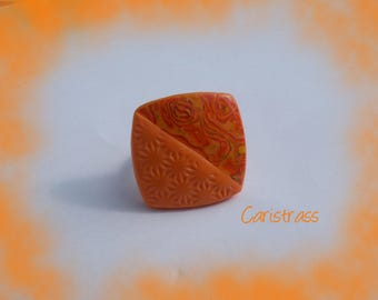 Orange square color ring.