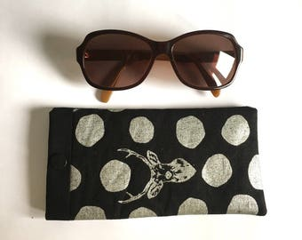 Eyeglass or Sunglass case / Glasses case in black and silver fabric. Single model