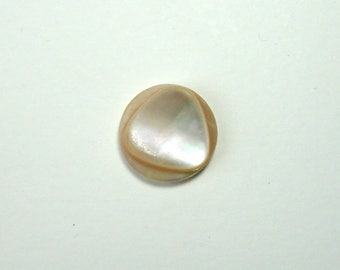 Mother of Pearl round cabochon, 17.5 mm, beige, embossed triangle shape.