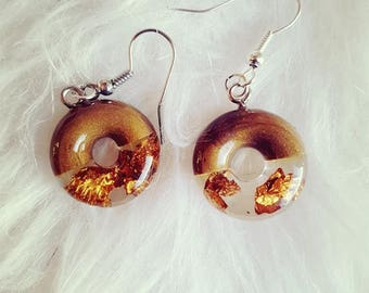 Bronze and resin earrings