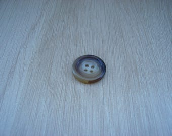 Brown marbled button with RIM