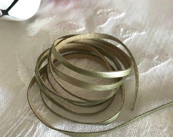 MOKUBA Gold leatherette cord
