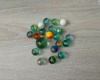 Set of 20 beads and a CAP