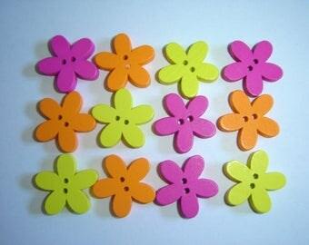 12 YELLOW ORANGE FUCHSIA FLOWER WOOD BUTTONS / / 20 MM