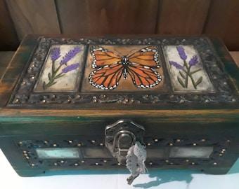 Monarch Treasure Chest