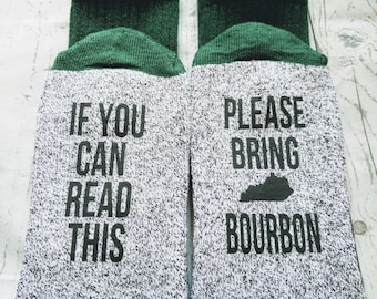 Bourbon lover gift, If you can read this bring Kentucky bourbon thermal socks, birthday gift for dad, husband, brother, groomsmen gift!