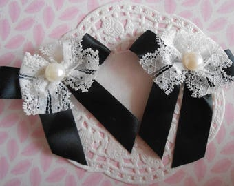 Black (with 2 bows) satin with white lace bow and Pearl 7,00 cm in height