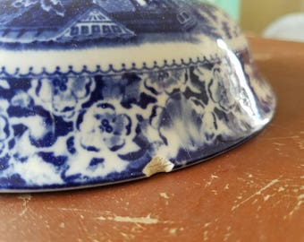 A Vintage Blue and White Tureen Lid