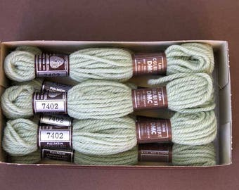8 m skein 7402, your pale green, 100% pure wool Colbert
