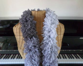 scarf knitted with a very original