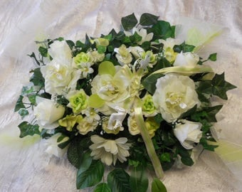 Centerpiece for wedding for guests or head table white / lime green