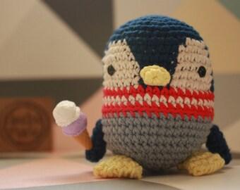 """""""It ' Pinguino"""" 100% cotton Crochet Amigurumi rattle toy"""