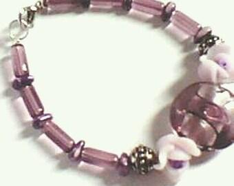 handmade - grey mauve - glass tubes - flower polymer - puck lampwork bracelet