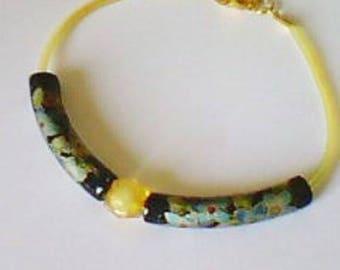 Asian-inspired yellow scoubidou wire beaded bracelet
