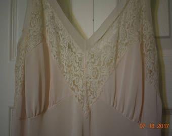 Vintage Ladies Nightgown