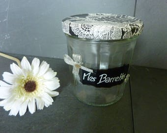 Glass jar for storage of barrettes