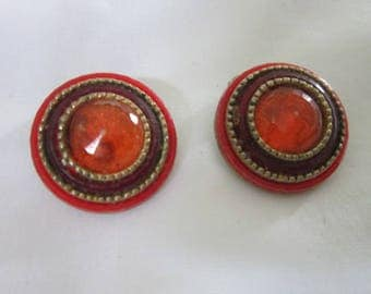 Retro 60's Gold Tone Red & Orange Disc Clip on Earrings