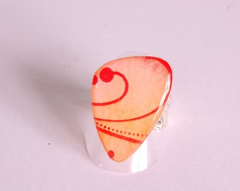 Ring cabochon Arabesque, orange and fuchsia