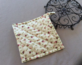 Floral kitchen pot holder