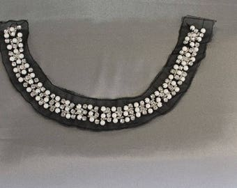 TREND: collar sew pearls and rhinestones