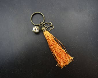 Key chain with large Pompom orange