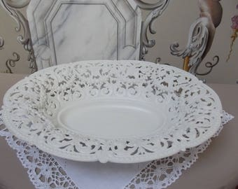NICE BASKETFUL PATINAED AND HIS SPIRIT SHABBY CHIC DOILY