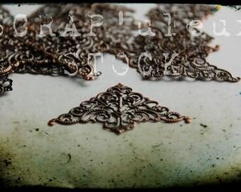 4 CORNERS, angles de 3.6cm de coté, bronze