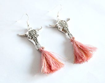 BEEF engraved with a flower and rose gold plated tassel earrings