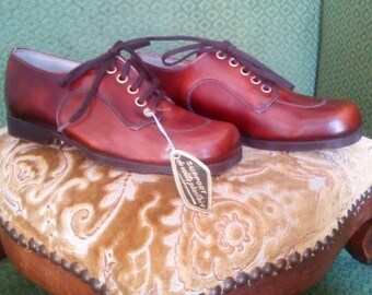 Mod's 8 1960s leather shoes Vintage NOS French childrens kids shoes NEW Deadstock Rare
