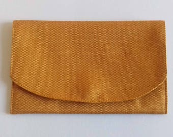 Mustard yellow weaving magnetic pouch