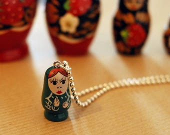 Russian doll green ball chain necklace