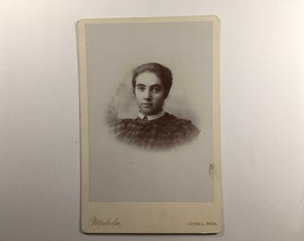 Antique cabinet card, Malcolm photographet, Lowell Michigan, young woman unknown