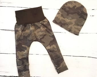 Camo Grow-with-me Pants / Baby Leggings / Toddler / Baby Clothes / Toddler Clothes / Baby Joggers / Maxaloons / Beanie / Hat / Toque / Gift