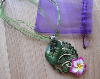 Necklace original plymere clay flower
