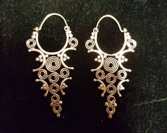 Stunning Hand Made Earrings from India. Gorgeous Detail