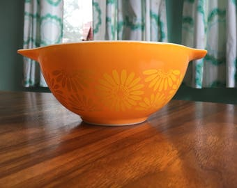 Sunflower Pyrex Cinderella Mixing Bowl 442