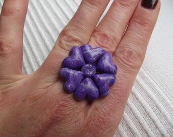 6 marbled purple and white hearts formed ring