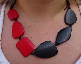 Flat cotton Black Lace necklace asymmetrical red and black beads