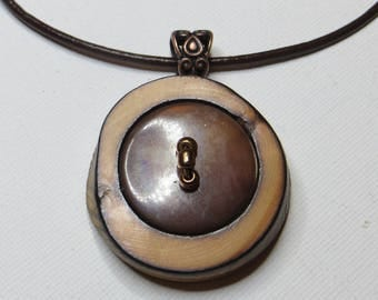 Mother of Pearl Necklace vintage wood with brown leather - #1106 disk