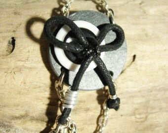 Bracelet chic, natural slate, black and white button, Star charm